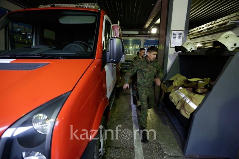 Из-за пожара в торговом доме «Жанна» в Алматы эвакуированы посетители