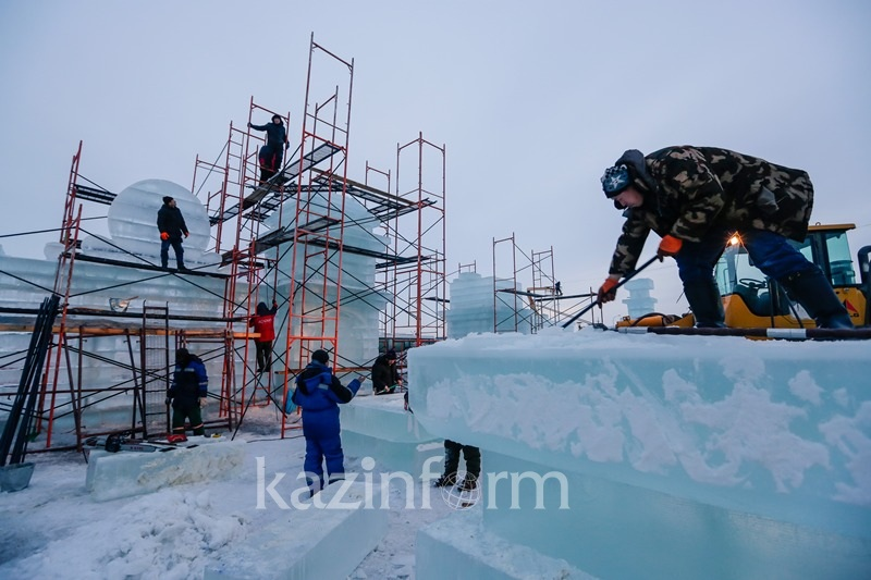 Три ледовых городка построят в Астане