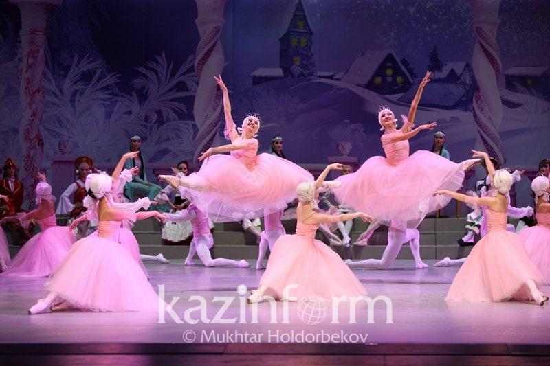 Афиша Астаны: «Анна Каренина» и  «Снежная королева» в драмтеатре
