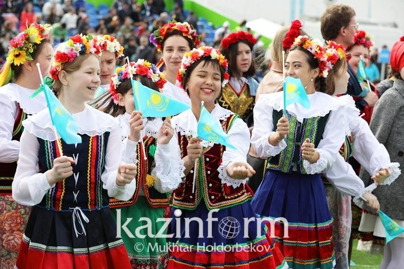 5月1日--哈萨克斯坦民族团结日