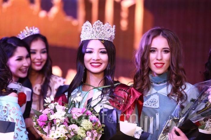Мисс Астана-2016 стала 18-летняя Ельназ Нурсеитова