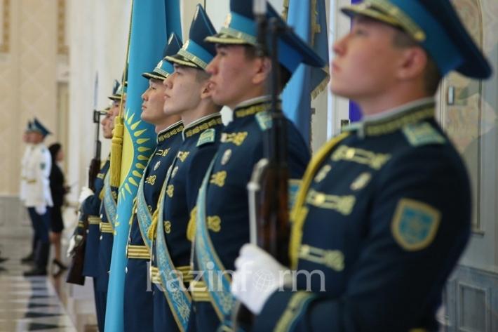 国书递交仪式在总统府举行
