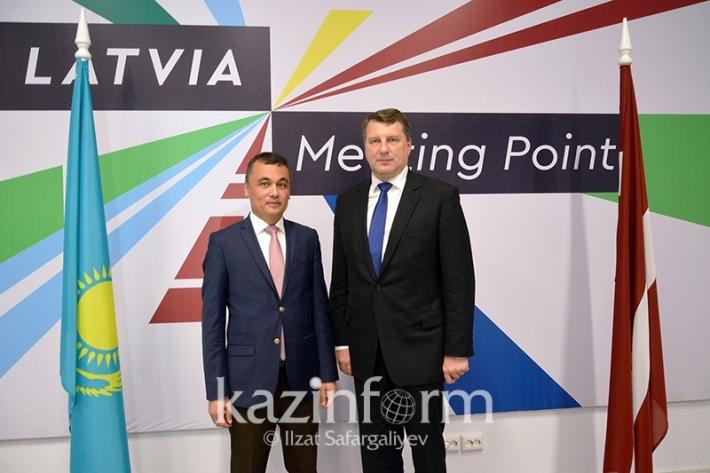 Қазақстан мен Латвия транзиттік әлеуетті дамытуға мүдделі - Президент Раймондс Вейонис