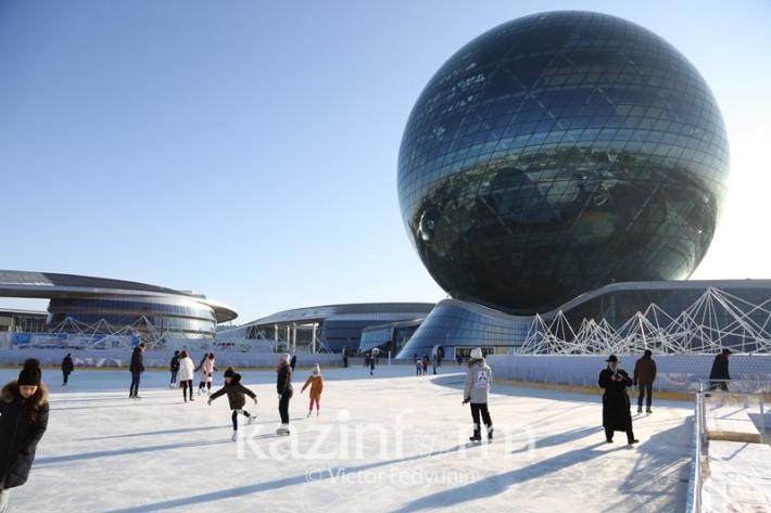На территории выставки ЭКСПО-2017 открылся ледовый каток