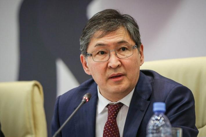 Ерлан Сағадиев Астана медицина университетіндегі дауға қатысты пікір білдірді