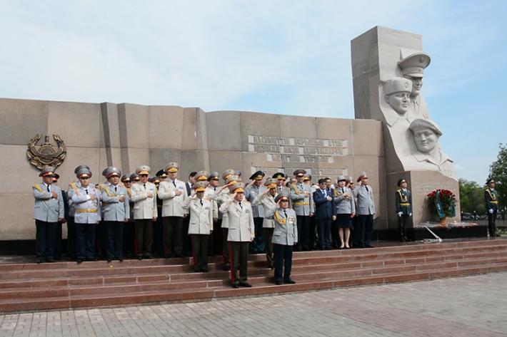 В Астане почтили память полицейских, погибших при исполнении