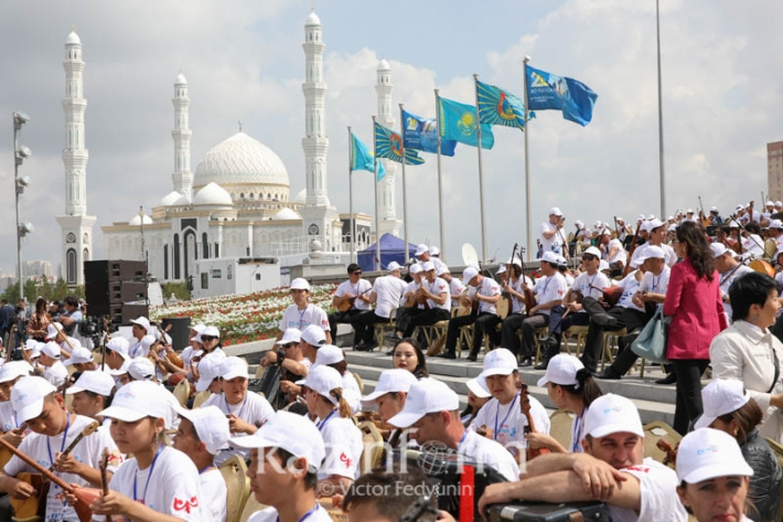 President extends Dombra Day greetings to Kazakhstanis