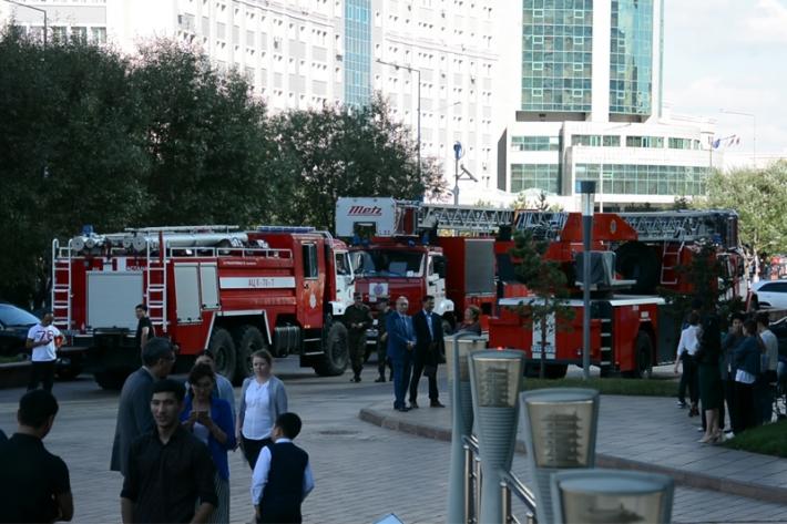 Людей эвакуировали из столичного