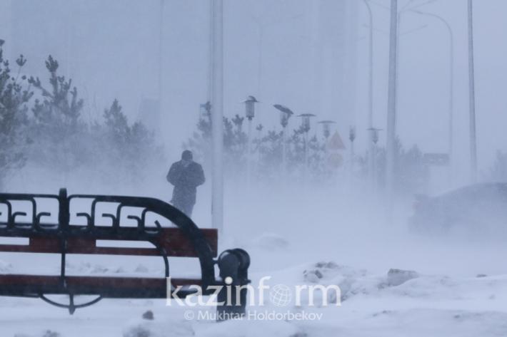 Blizzard burries Astana, brings joy for schoolchildren