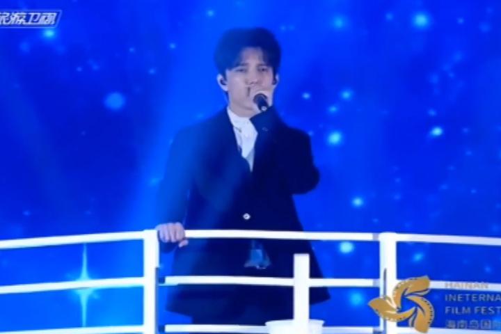 Димаш Кудайберген выступил на кинофестивале в Китае с песней из Титаника (видео)